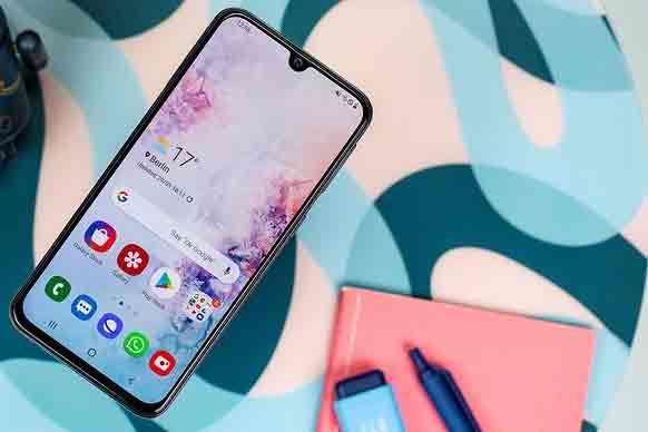 Лучший дисплей: Samsung Galaxy A40 сияет