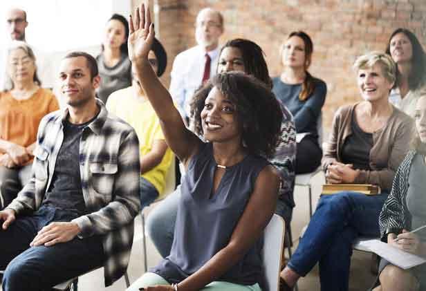 Как поднять руку на встрече Zoom