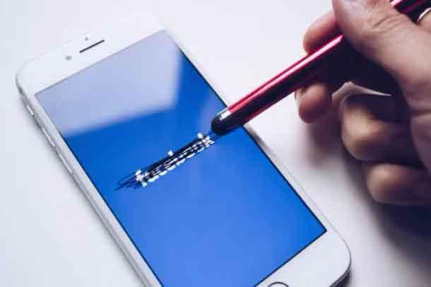 disattivare un account Facebook